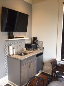 Carriage House #4 Kitchenette, microwave, mini refrigerator and coffee service. 95/105 per night